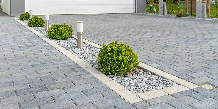 reforma suelo exterior de adoquines