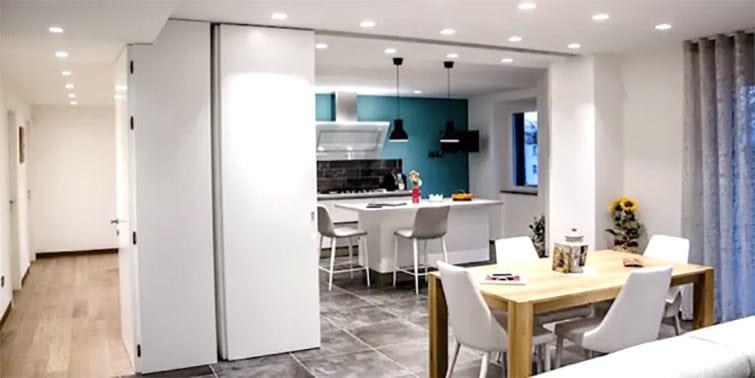 reforma cocina con puerta corredera