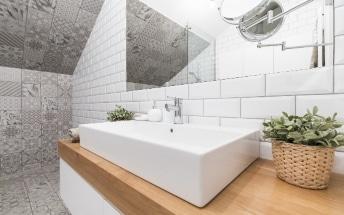 Materiales de gama media en una reforma de baño