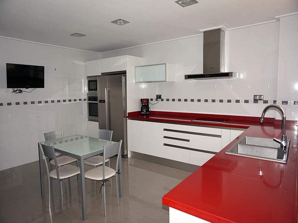 Reforma de cocina moderna en Valencia