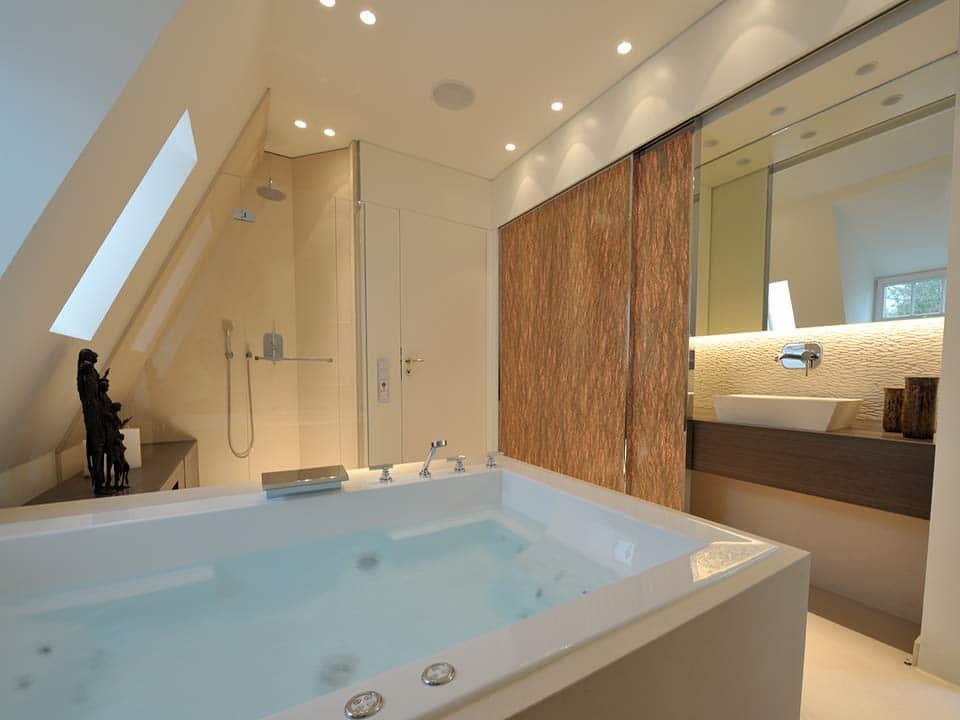 Reforma de baño con jacuzzi en Marbella
