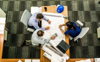 3 profesionales técnicos de las reformas