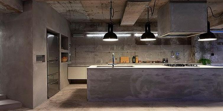 cocina con pared de microcemento