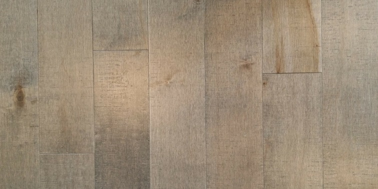 suelo porcelanico en imitacion a la madera